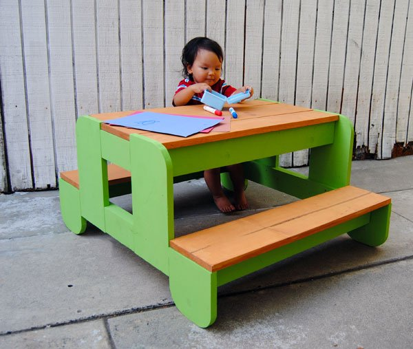 kids-picnic-table