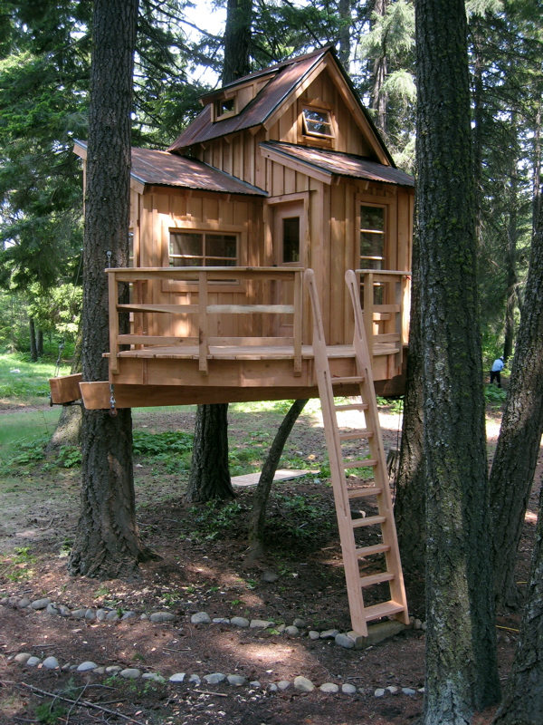 50 kids treehouse designs for Backyard treehouse designs
