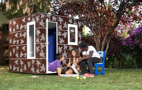 modern-playhouse-leaves