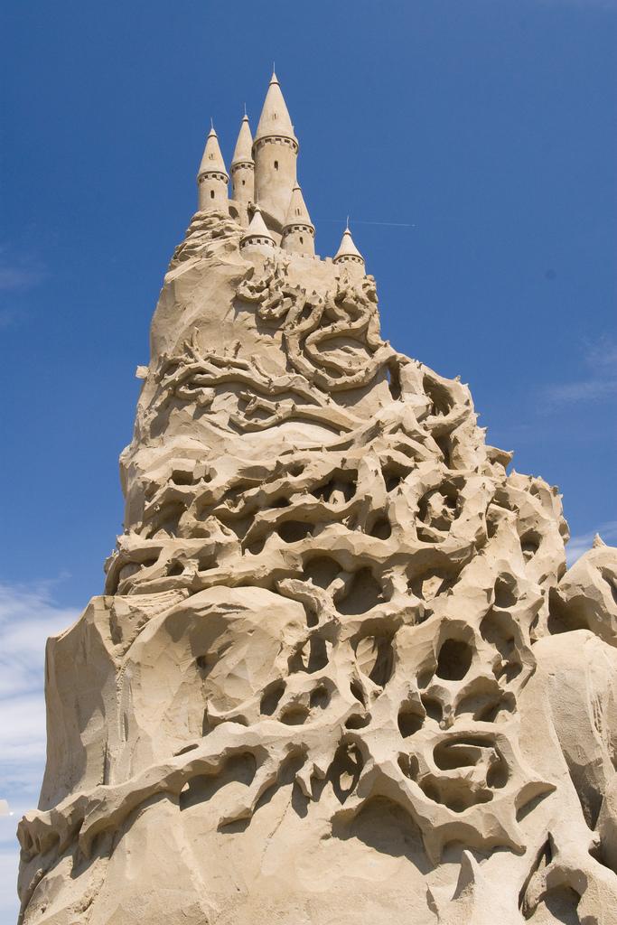 25 Summer Sandcastles | Castles, Beach and Summer