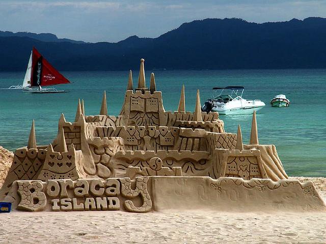 25 Summer Sandcastles | Built by Kids | Sand castle