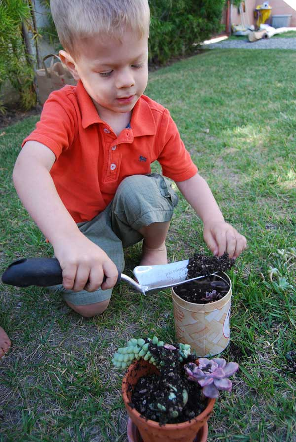 children-safe-gardening
