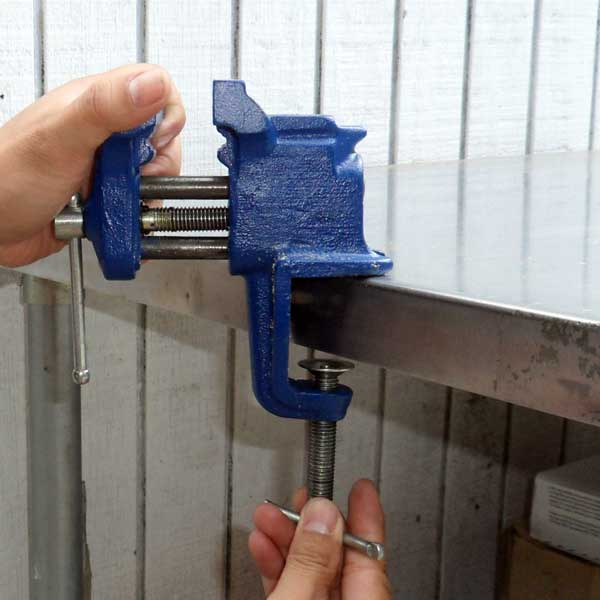 install-irwin-vise-clamp