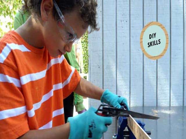 kid-sawing-safety