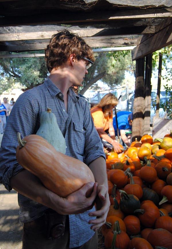 matthew-gray-gubler-picking-pumpkins