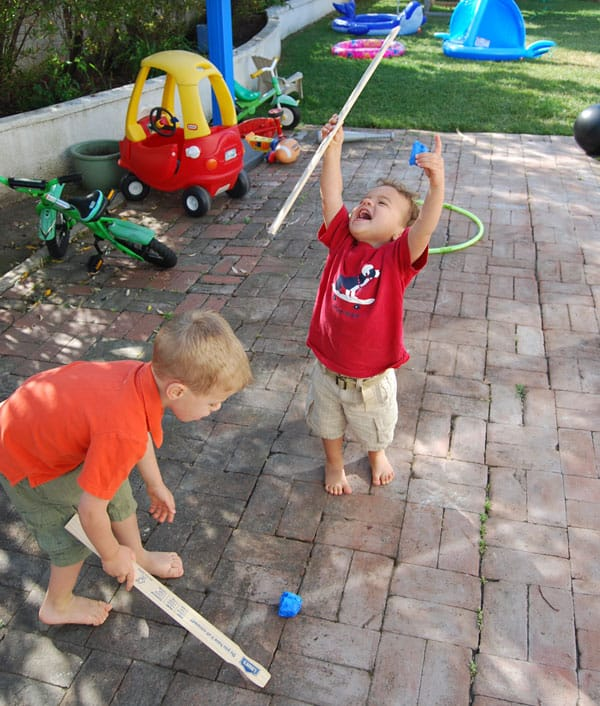 paint-stick-hockey-celebration