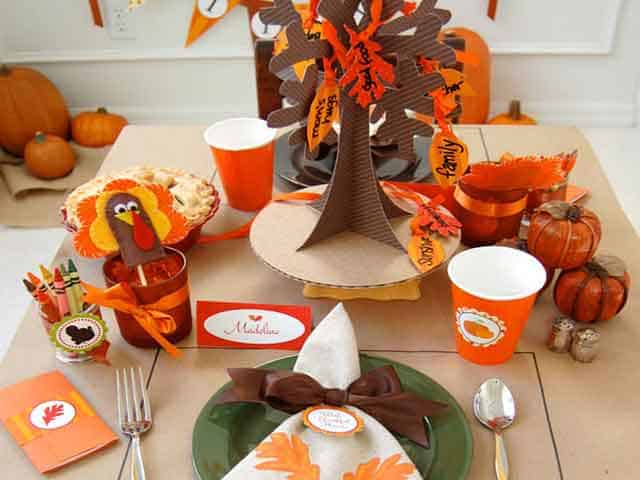 6 Cool Kids Tables for Thanksgiving