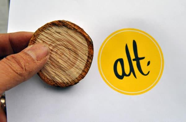 alt-logo-wood