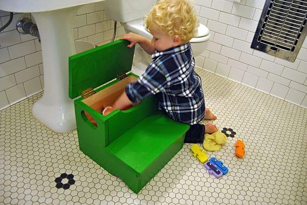 storage-step-stool