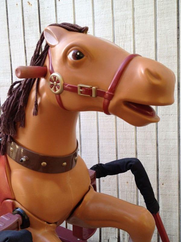 radio-flyer-horse-head