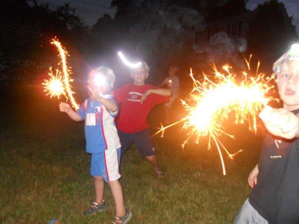 kids-sparklers