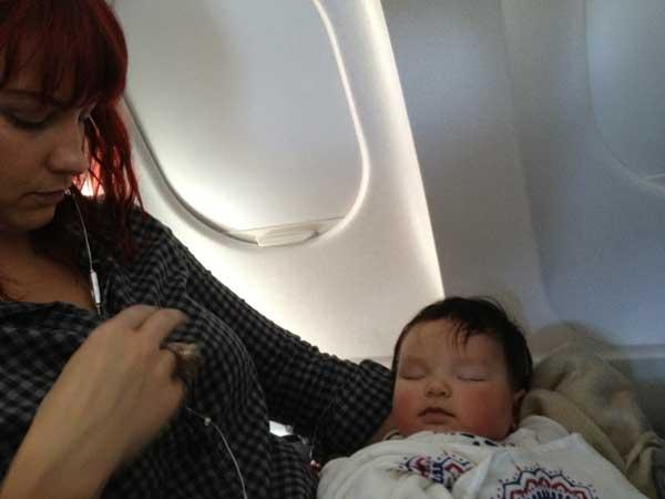 baby-sleeping-flight
