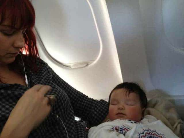 10 Travel Tips for Flying with a Baby