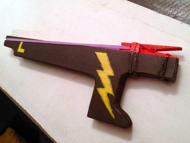 make a rubber band gun