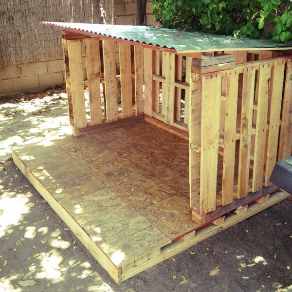 how to build a horse shelter out of pallets