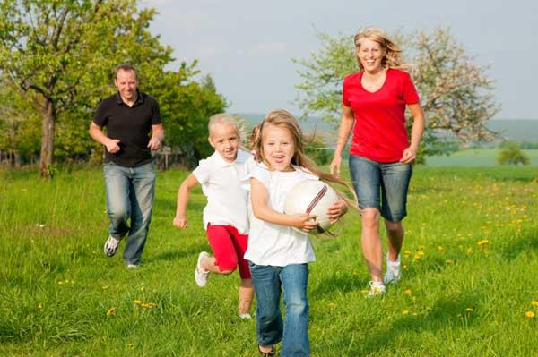 children-playing-outside-geopalz