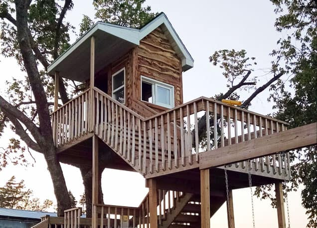 Spectacular 3-Story Treehouse