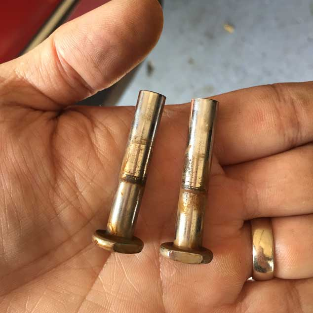 rusted-bolts