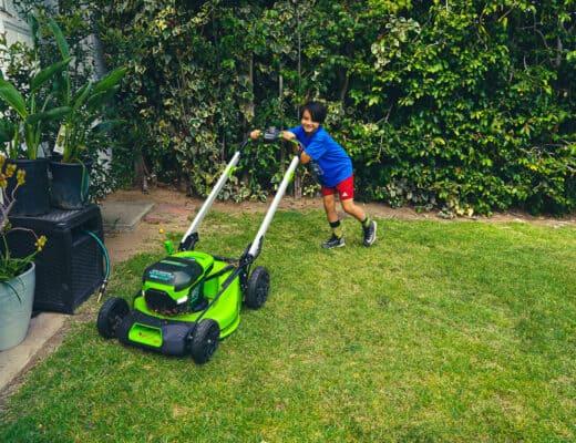Greenworks-lawnmower-kids-mowing-27
